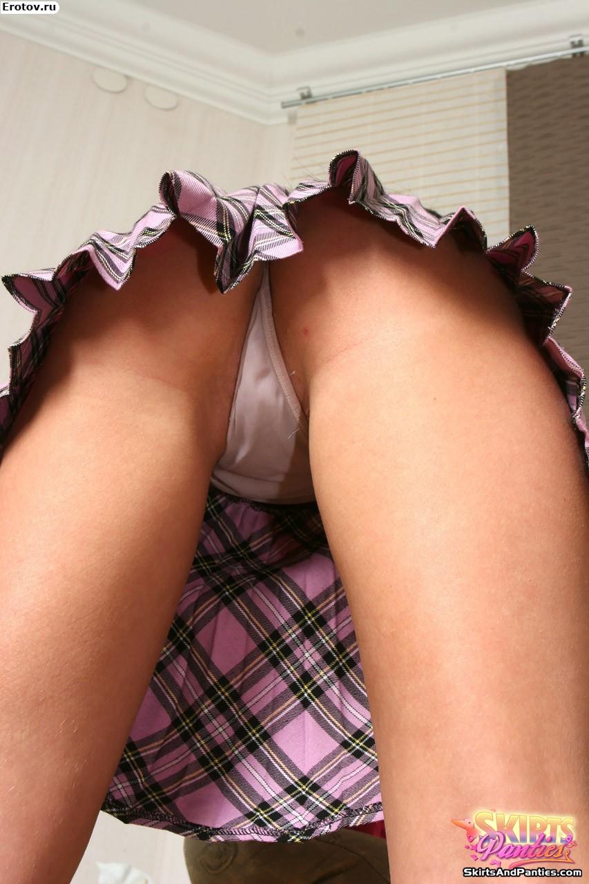 У девушек под юбкой порно фото 23 фотография