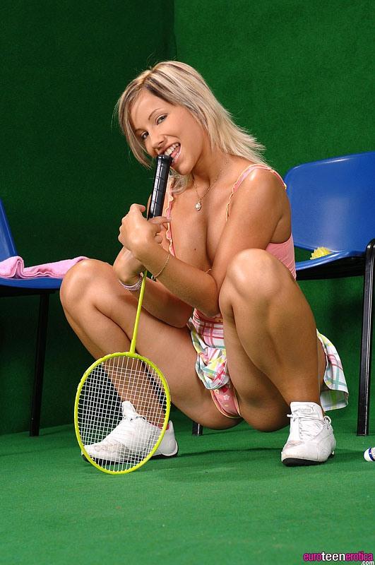Старое порно два мужика и теннисистка на корте онлайн фильм